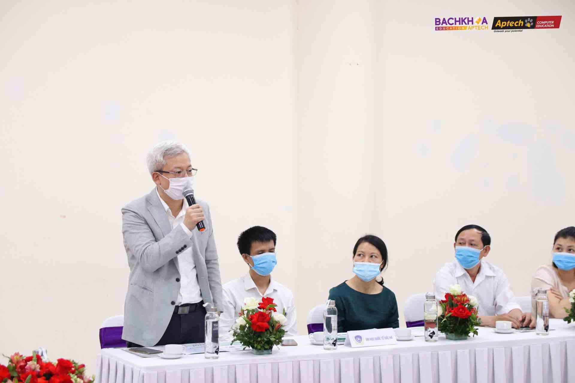 ThS. Nguyễn Minh Huyên - Phó Hiệu trưởng đánh giá cao mô hình của BKAP